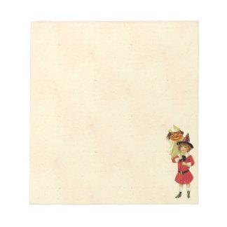 ヴィンテージのハロウィンの女の子 ノートパッド