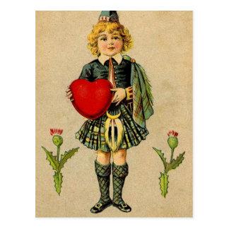 ヴィンテージのバレンタインデーのスコットランドの男の子及びハート ポストカード