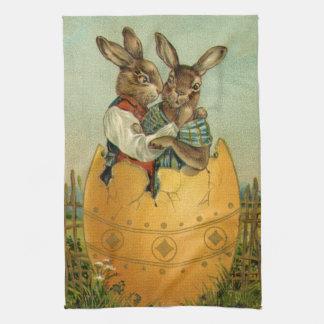 ヴィンテージのビクトリアンなイースターのウサギ、巨大なイースターエッグ キッチンタオル
