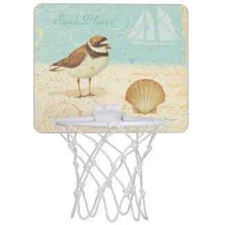 ヴィンテージのビーチ場面 ミニバスケットボールゴール