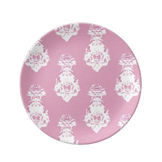 ヴィンテージのピンクの背景 磁器プレート