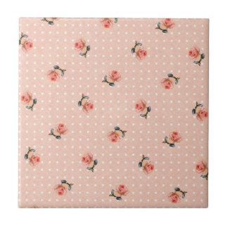 ヴィンテージのピンクの花柄および点 タイル