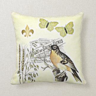 ヴィンテージのフランスのなコラージュの鳥の蝶フルーア クッション
