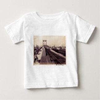 ヴィンテージのブルックリン橋 ベビーTシャツ
