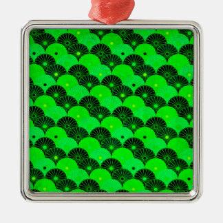 ヴィンテージのライムグリーンおよび黒の菊パターン メタルオーナメント