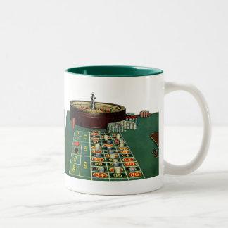ヴィンテージのルーレットのテーブルのカジノのゲーム、賭ける破片 ツートーンマグカップ