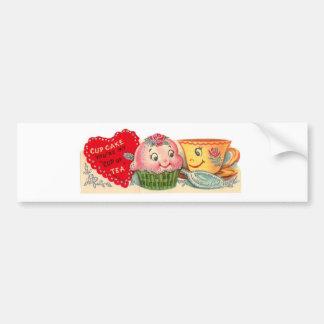 ヴィンテージのレトロのカップケーキおよびティーカップのバレンタインデー バンパーステッカー