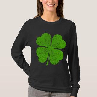 ヴィンテージの動揺してで幸運な4つの葉のクローバー Tシャツ