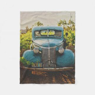 ヴィンテージの古く旧式なトラック車 フリースブランケット