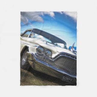 ヴィンテージの古く旧式な車 フリースブランケット