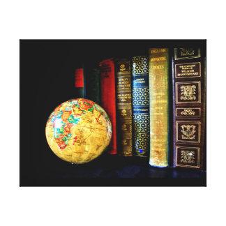 ヴィンテージの地球および本 キャンバスプリント