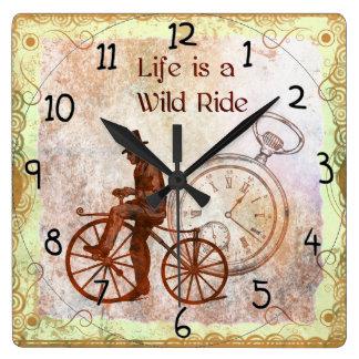 ヴィンテージの大変な道のりのSteampunkの自転車のコラージュ スクエア壁時計