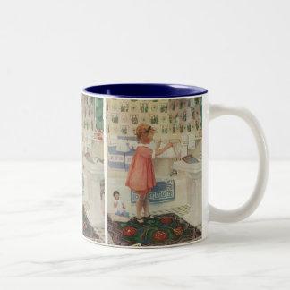 ヴィンテージの女の子、洗濯のぶら下がったな衣服をしている子供 ツートーンマグカップ