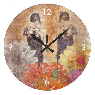 ヴィンテージの女性の反射の花 ラージ壁時計