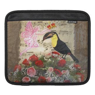 ヴィンテージの妖精および鳥のコラージュ iPadスリーブ