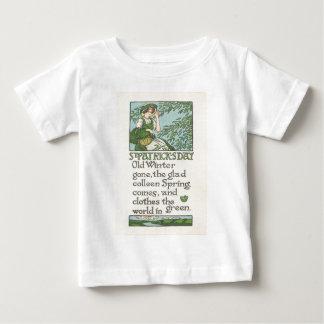 ヴィンテージの娘の春のシャムロックのセントパトリックの日 ベビーTシャツ
