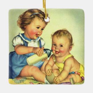 ヴィンテージの子供、かわいく幸せな幼児のスマイルのボトル セラミックオーナメント