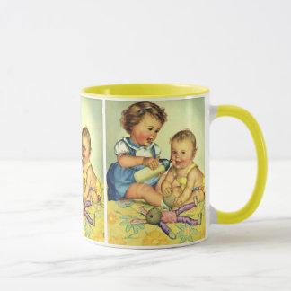 ヴィンテージの子供、かわいく幸せな幼児のスマイルのボトル マグカップ