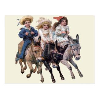 ヴィンテージの子馬およびかわいい子供 ポストカード