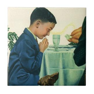 ヴィンテージの宗教、感謝祭で優美を言っている男の子 タイル