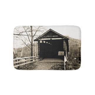 ヴィンテージの屋根付橋 バスマット