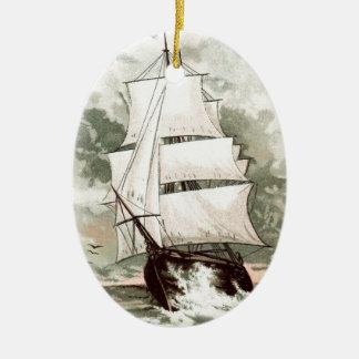 ヴィンテージの引くこと: 3マストを立てられていた船 セラミックオーナメント