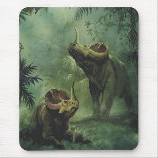 ヴィンテージの恐竜、ジャングルのセントロサウルス マウスパッド