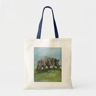 ヴィンテージの恐竜、草原で牧草を食べているセントロサウルス トートバッグ