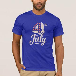 ヴィンテージの文字の7月はっきりしたな4日の独立赤い青 Tシャツ