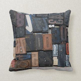 ヴィンテージの枕 クッション