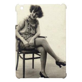 ヴィンテージの気のあるそぶりをしたな女の子 iPad MINIケース