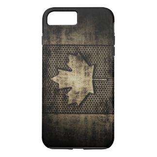 ヴィンテージの汚い金属の一見のカナダ人の旗 iPhone 8 PLUS/7 PLUSケース