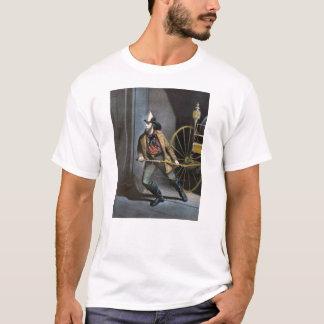 ヴィンテージの消防士の人のTシャツ Tシャツ