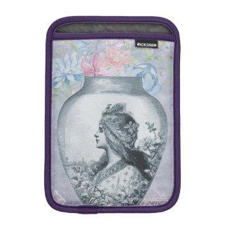 ヴィンテージの灰色の花のつぼおよび女の子のプロフィールのポートレート iPad MINIスリーブ