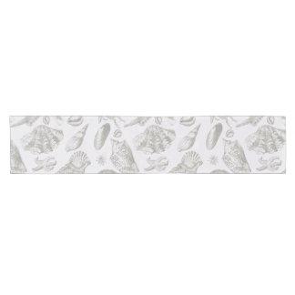 ヴィンテージの灰色の貝殻の芸術パターンプリントのデザイン ショートテーブルランナー