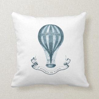 ヴィンテージの熱気の気球の装飾用クッション クッション