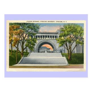 ヴィンテージの競技場の入口のシラキューズ大学 ポストカード