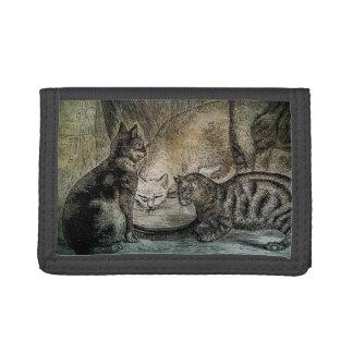 ヴィンテージの納屋猫名前入りな猫のイラストレーション ナイロン三つ折りウォレット
