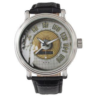 ヴィンテージの自動車速度のゲージ 腕時計