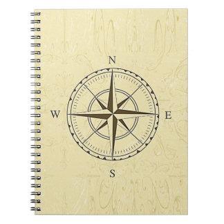 ヴィンテージの航海のなコンパス面図のアイボリー ノートブック