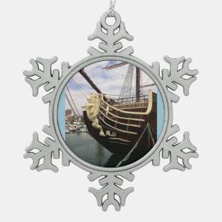 ヴィンテージの船-アリカンテ スノーフレークピューターオーナメント