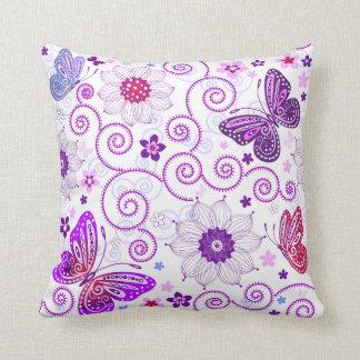 ヴィンテージの花及び蝶装飾用クッション クッション