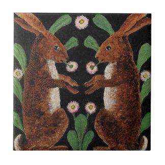 ヴィンテージの英国のタペストリーのデザインのバニーウサギのタイル タイル