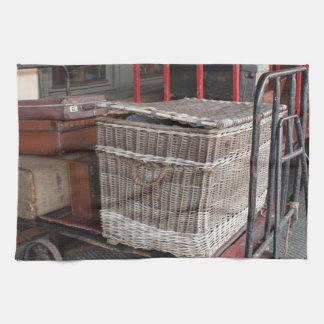 ヴィンテージの荷物およびかご-範囲 キッチンタオル