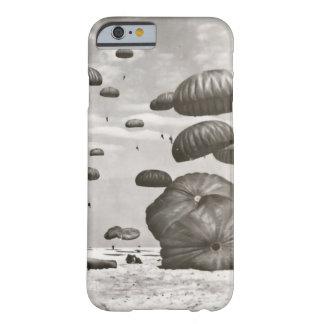 ヴィンテージの落下傘兵の着陸の電話カバー BARELY THERE iPhone 6 ケース