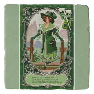 ヴィンテージの薄緑のアイルランドの女性のセントパトリックの日 トリベット