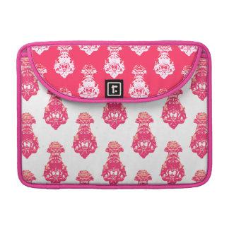 ヴィンテージの赤いですかピンク色の背景 MacBook PROスリーブ