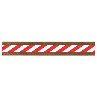 ヴィンテージの赤く白くガーリーでストライプなパターン 定規