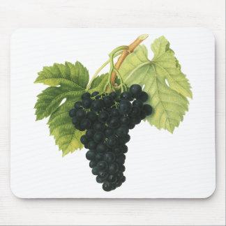 ヴィンテージの赤ワインのオーガニックなブドウの集り、食糧フルーツ マウスパッド