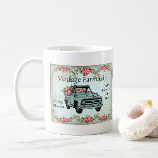 ヴィンテージの農場で働く女性の国のノスタルジックなコーヒー・マグ コーヒーマグカップ